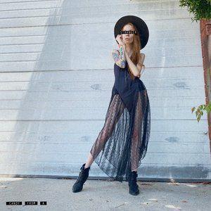 Vintage Lady Cameo Dallas Black Nightgown Sz S
